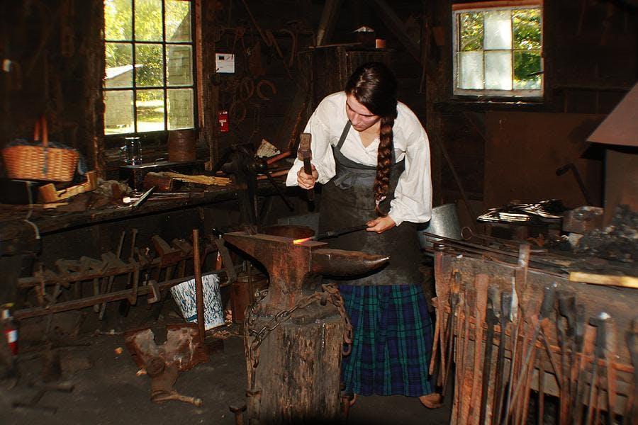 woman-blacksmith-joe-sanna.jpg